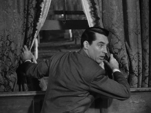 Cary-in-Arsenic-and-Old-Lace-cary-grant-4295854-500-375